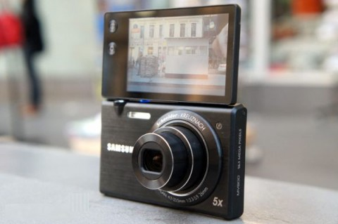 picture with new MV800 from Samsung