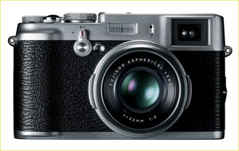 lens of Fujifilm X100