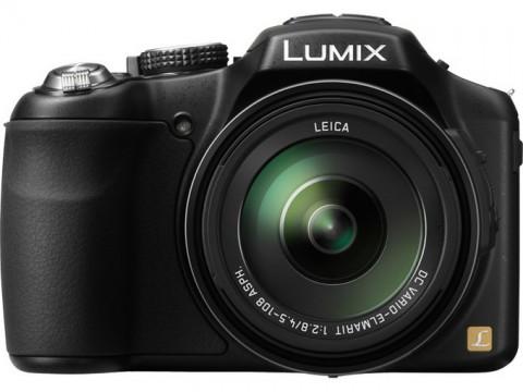 Lumix FZ200 front