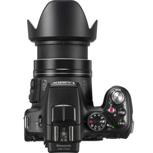 Panasonic Lumix FZ200 lens detail