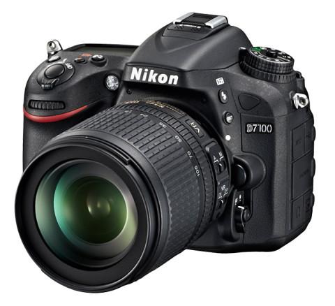 The Nikon D7100 with lens
