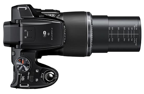 Fujifilm S8400W with huge 44x optical zoom