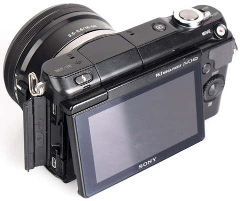 Sony NEX-3N with tiltable LCD