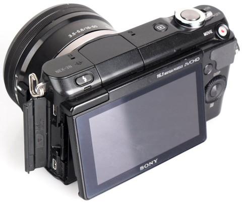 Sony NEX-3N with tiltable LCD