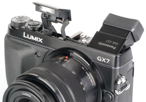 Panasonic GX7 with tiltable EVF and built-in flash