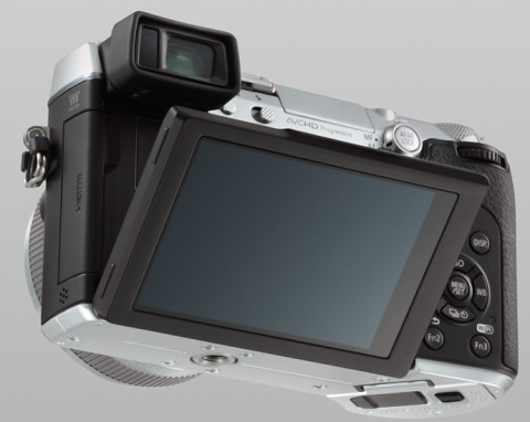 Panasonic GX7 with tilting touchscreen LCD monitor