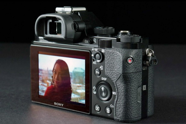 Sony Alpha a7 display image